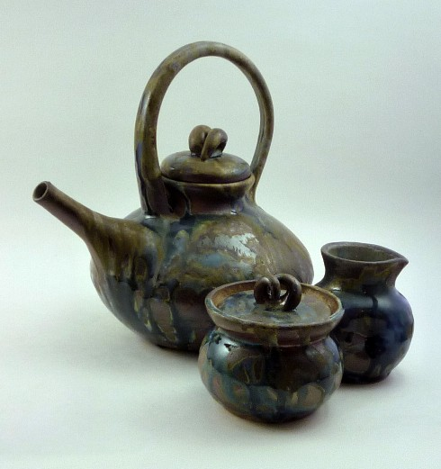 Blue and shino tea set